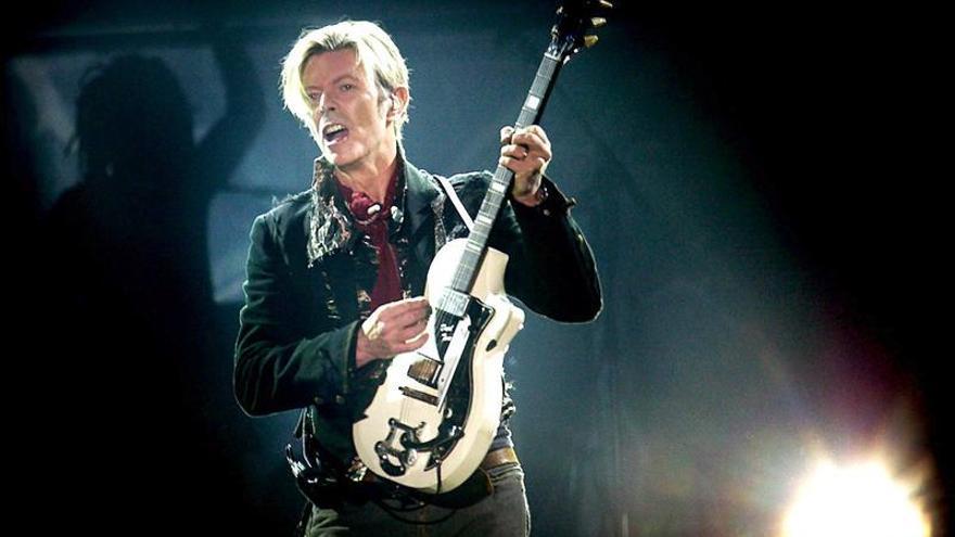 Youtube repone el vídeo de David Bowie, pero con restricciones por edad