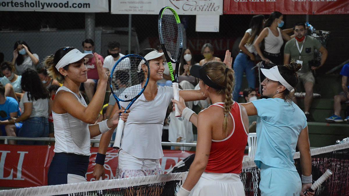 Jugadores celebrando el paseo de ronda en el Open de Palma del Río