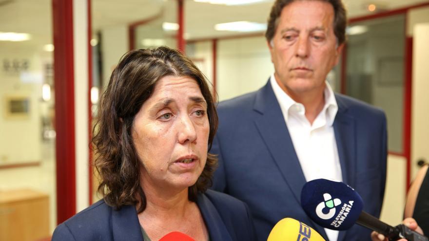 La viceconsejera de Medioambiente, Blanca Pérez, atiende a la prensa