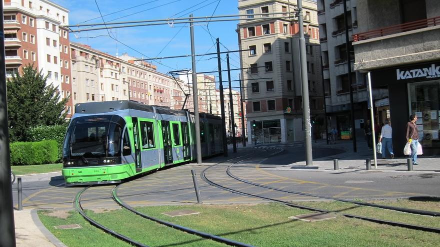 Las obras para mejorar la accesibilidad del tranvía de Vitoria comienzan este domingo