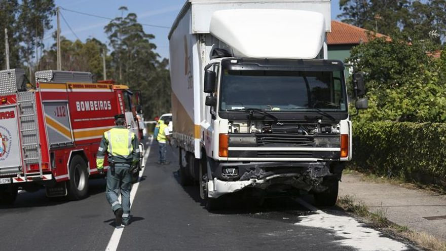 Mueren dos personas en un accidente de tráfico en Rianxo (A Coruña)