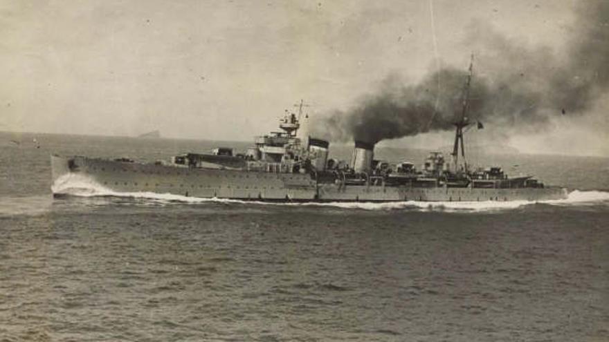 Crucero Almirante Cervera / Foto: Armada Española - Museo Naval