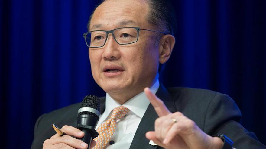 """""""Muchos trabajos van a desaparecer muy, muy rápido"""", dice el presidente del BM"""