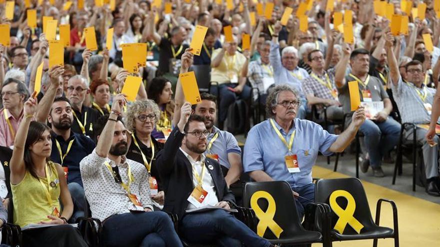 ERC aprueba con un 96% de votos la ponencia que no descarta ninguna vía para la república