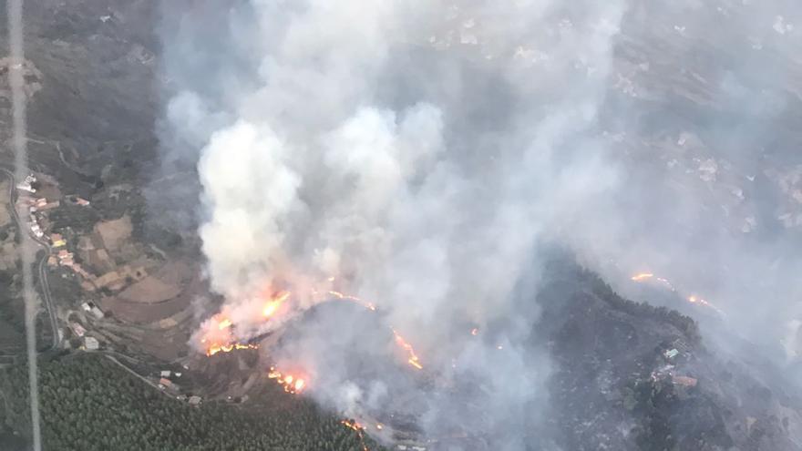 Incendio de Gran Canaria desde el helicóptero de la Guardia Civil