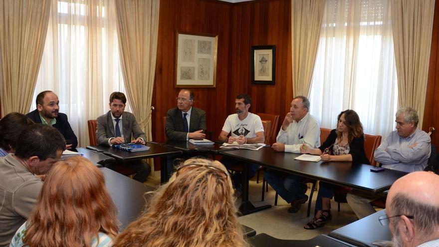 La reunión estuvo presidida por Carlos Alonso.