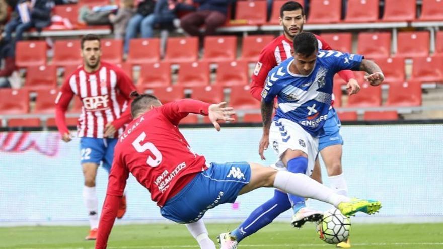 Nano en el partido entre el Girona y el Tenerife