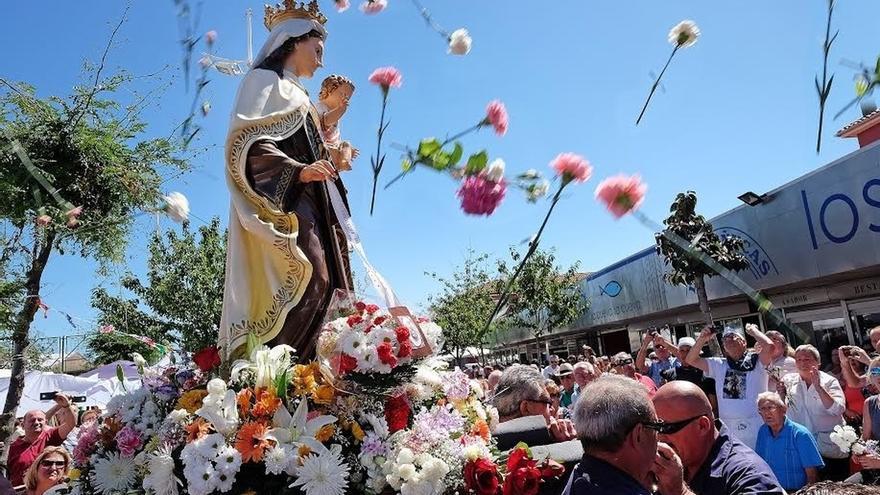 El Barrio Pesquero festejan la Virgen del Carmen