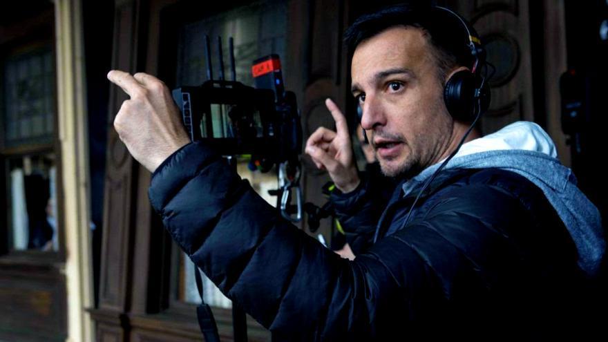 Alejandro Amenabar en el rodaje de 'Mientras dure la guerra'