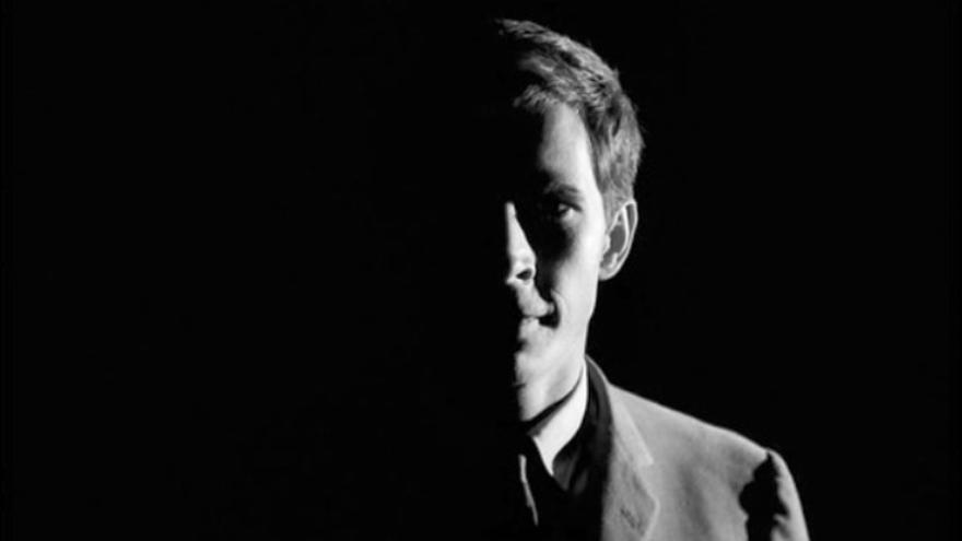 Anthony Perkins en un fotograma de la película 'El proceso' de Orson Welles