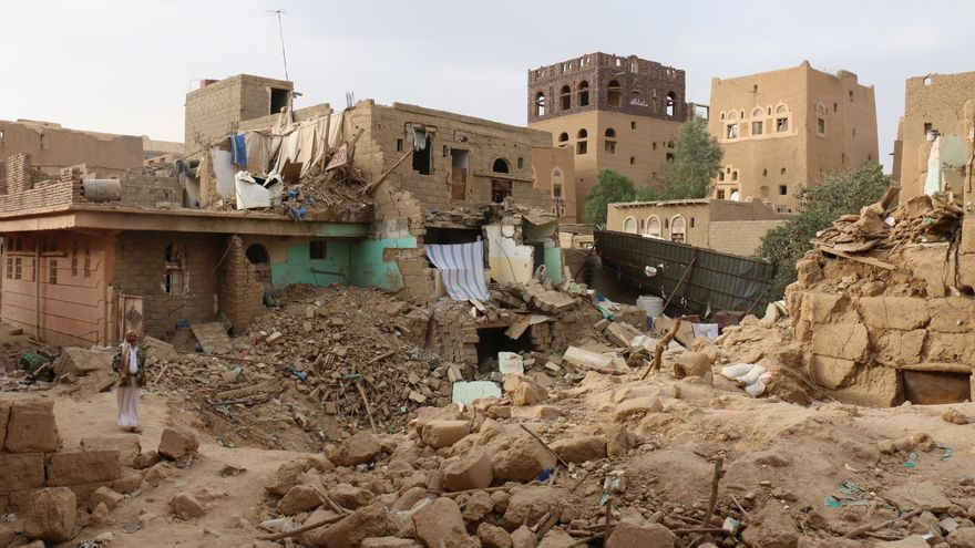 Casas de civiles destrozadas por ataques de la coalición liderada por Arabia Saudí / Amnistía Internacional
