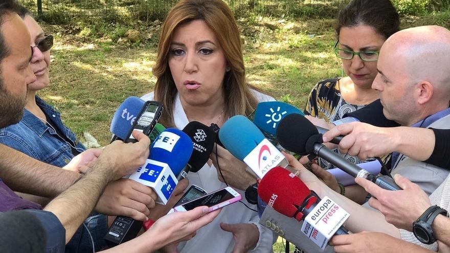 """Susana Díaz afirma que la bajada del paro en Andalucía contrasta con los """"negativos"""" datos en España"""