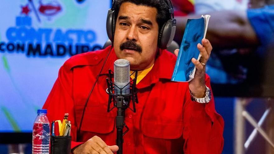 """Maduro dice que Obama es """"indigno"""" por hacer comentarios sobre Venezuela"""