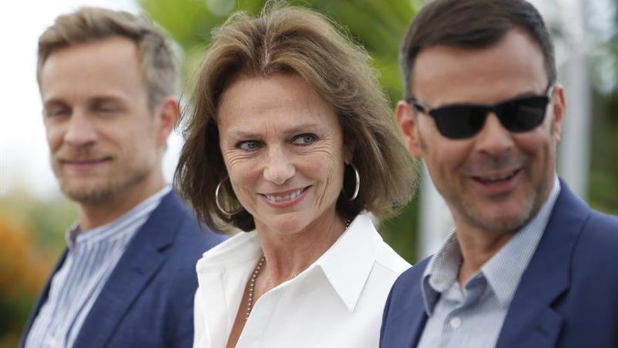 """Buena acogida en Cannes para el elegante """"thriller"""" erótico de François Ozon"""