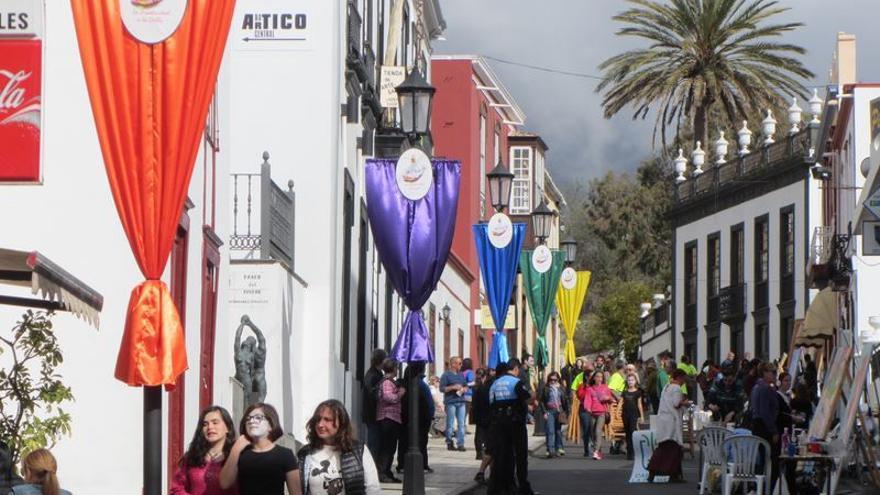 El festival 'dePaso' congregó a numeroso públicos en las calles del municipio de El Paso.