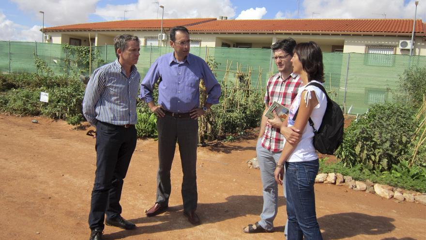 Alcaldes de Villacañas y Madridejos visitando huertos urbanos