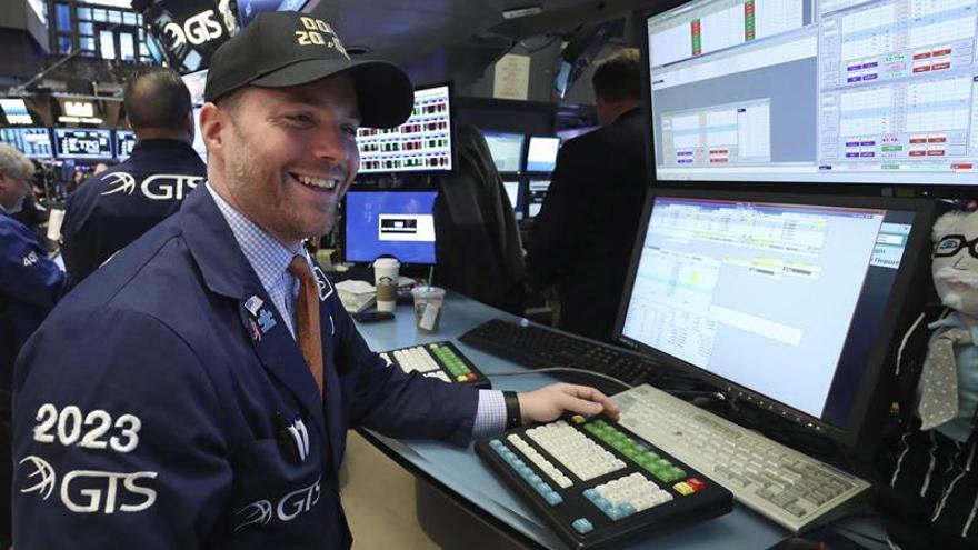 Wall Street abre a la baja y el Dow Jones cede un 0,08 %