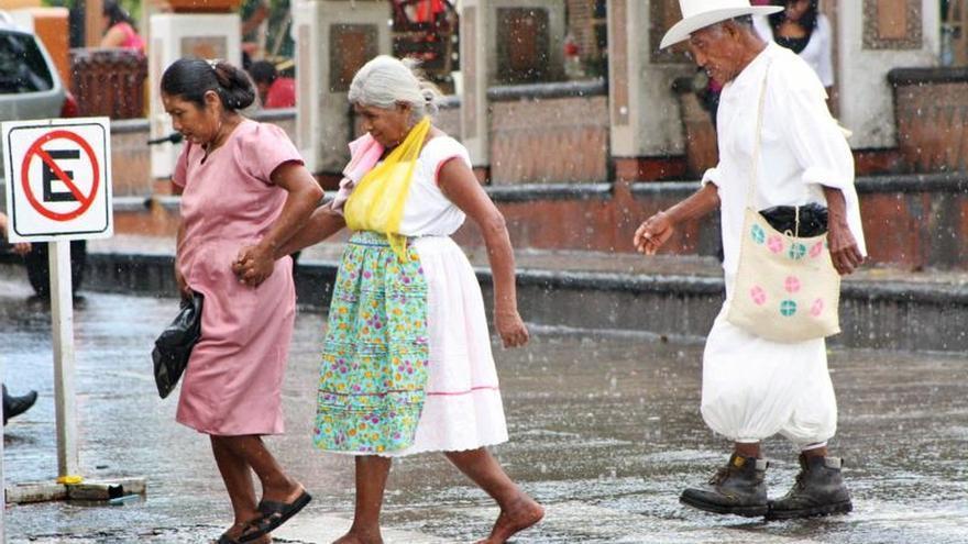 La esperanza de vida en México, la más baja de la OCDE y donde menos avanza