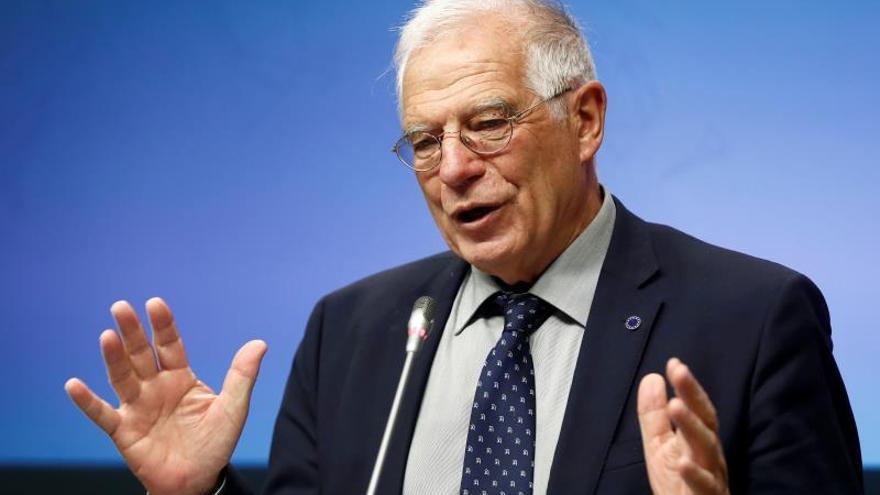"""Josep Borrell resalta la """"contribución a la paz mundial"""" de Kofi Annan"""