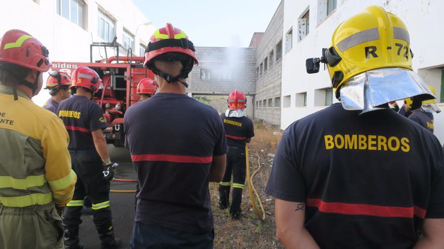 Participantes en el curso 'Hidráulica en incendios urbanos-Capacitación profesional'.