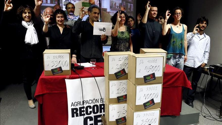 Recortes Cero presenta 49.000 firmas y su candidatura para las europeas