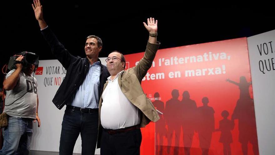 """Sánchez promete """"obligar"""" a Rajoy a buscar una solución pactada para Cataluña"""