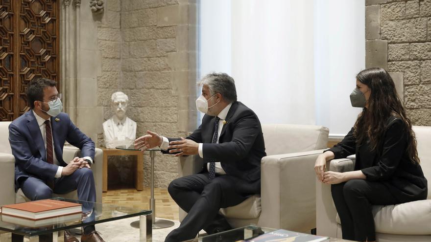 """Aragonès y JxCat explorarán """"todas las vías"""" si la mesa de diálogo fracasa"""