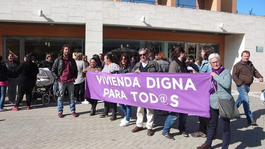 Varios colectivos se concentraron a las puertas de los juzgados de Sanlúcar.