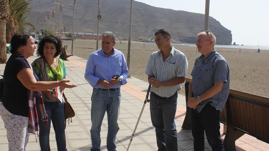 El director de Womad International, Chris Smith, visitó este viernes Gran Tarajal.