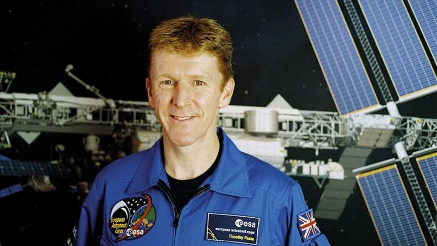 Astronauta británico se disculpa en Twitter por llamada telefónica errónea