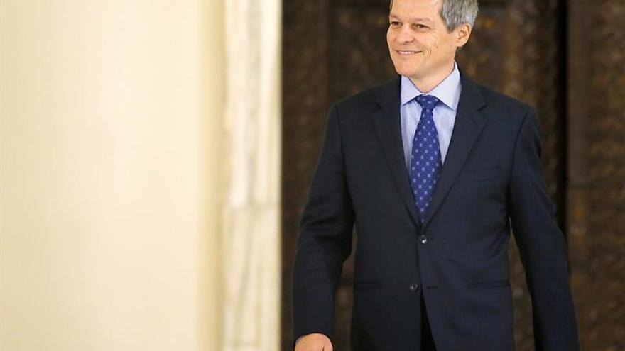 Dimite ministro rumano de Interior tras ser acusado de abuso de poder