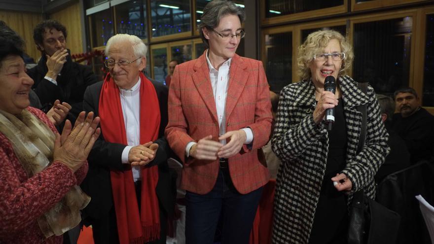 El padre Ángel, Marta Higueras y Manuela Carmena.