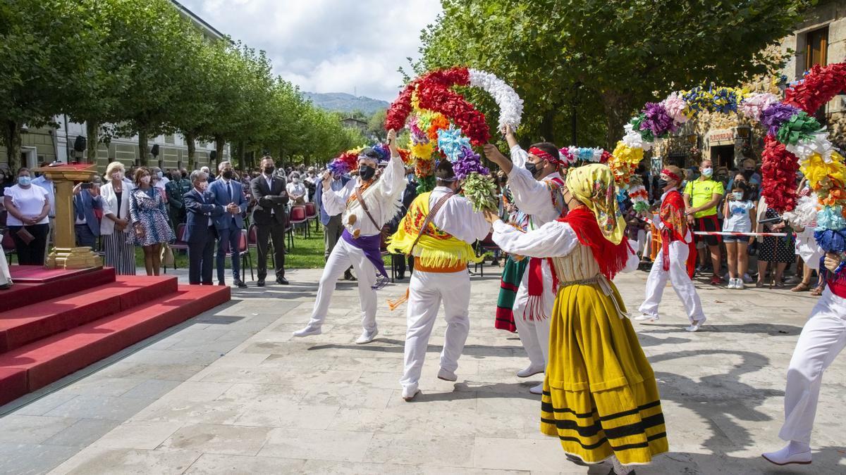 El presidente de Cantabria, durante los actos de la Bien Aparecida.