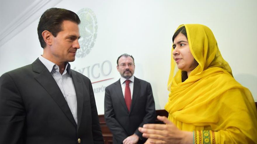 Malala anima a los jóvenes a usar las redes sociales como arma política