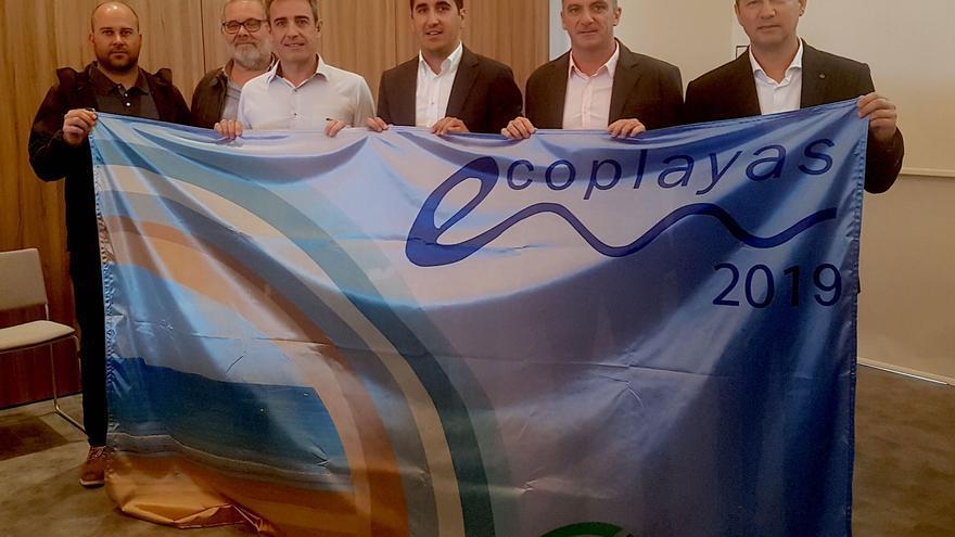 Entrega de la 'Bandera Ecoplayas' en Alcudia (Mallorca).