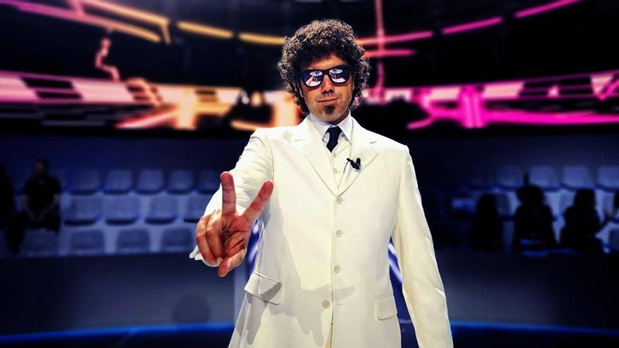 """Primeras imágenes de Pablo Ibáñez como """"El hombre de blanco"""" de 'Vaya crack' en TVE"""