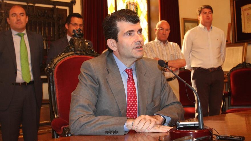 Bartolomé González asegura que no era alcalde de Alcalá cuando se adjudicó el contrato a Cofely