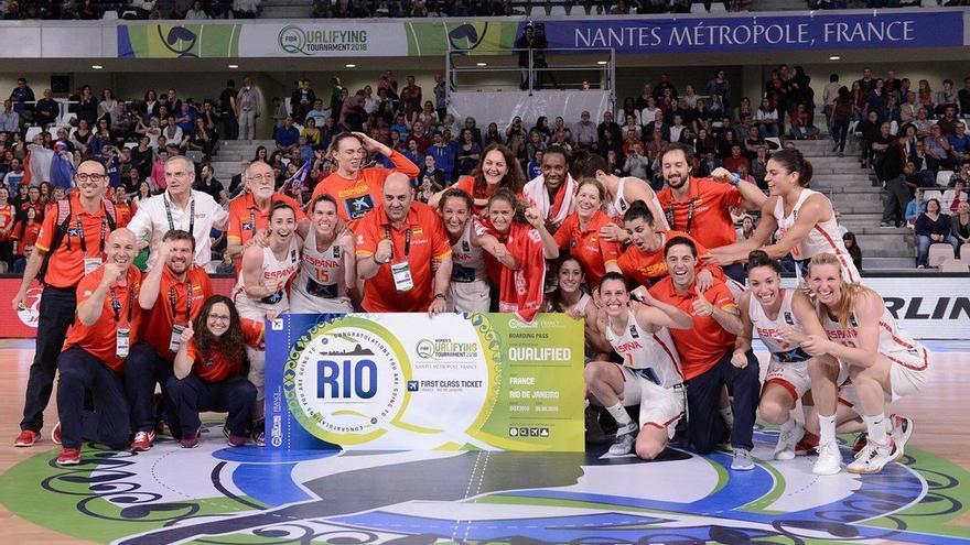 La selección española de baloncesto femenino celebra el pase para los Juegos Olímpicos de Río 2016, tras vencer a Corea del Sur por 70 a 50 en