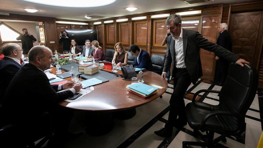 El presidente de Canarias, Fernando Clavijo, asiste a la reunión semanal del Consejo de Gobierno EFE/Quique Curbelo.