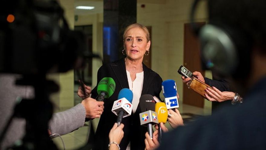 Cifuentes celebra la candidatura de Rajoy en el PP y ve su liderazgo consolidado
