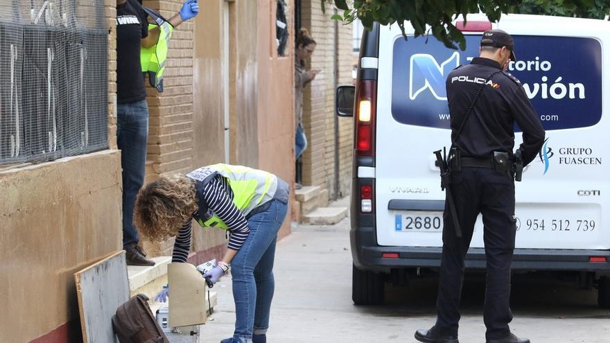 Conducen a dependencias policiales a la pareja de la mujer apuñalada mortalmente en Los Pajaritos