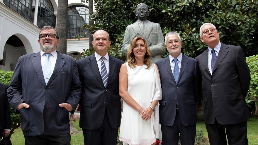 Los cuatro expresidentes de  Andalucía arropan a Susana Díaz /Foto: Parlamento
