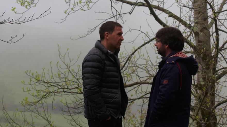 Arnaldo Otegi y Jordi Évole, durante la entrevista en Salvados