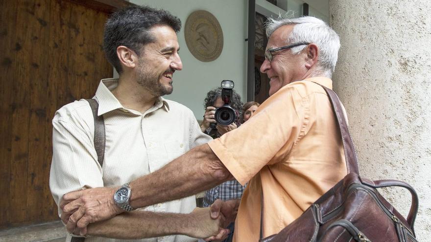 Peris y Ribó durante las negociaciones para la conformación del gobierno municipal