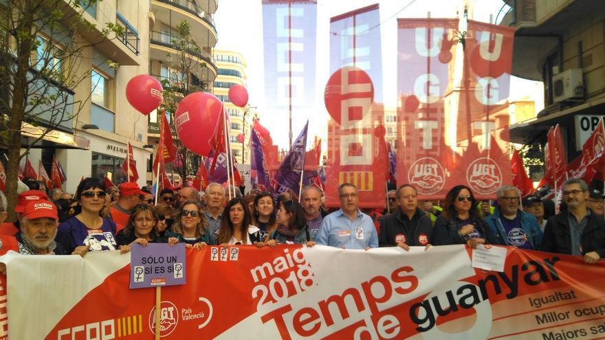 Pancarta de los sindicatos en el Primero de Mayo, en Valencia.