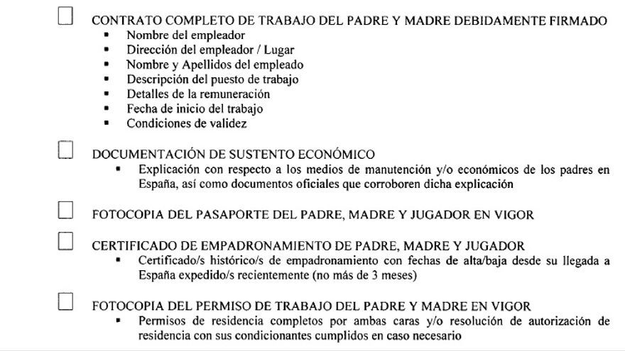 """Extracto de algunos de los requisitos que exige la Federación Española de Fútbol para la """"inscripción de menores extranjeros menores de 10 años""""."""