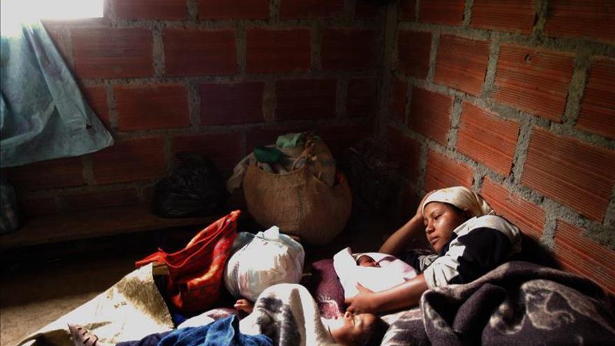 Los combates entre el Ejército y las FARC causan 352 desplazados en Colombia