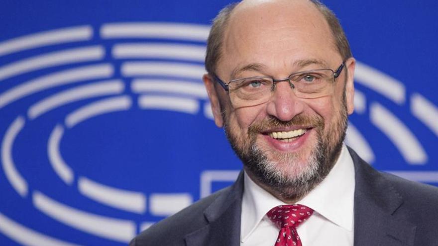 """Schulz apremia a los europeos a """"darle una oportunidad"""" a Trump"""