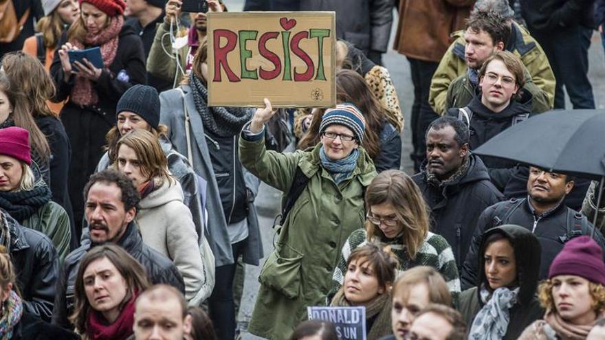 Protestas en el centro de Bruselas contra el veto de Trump a la inmigración