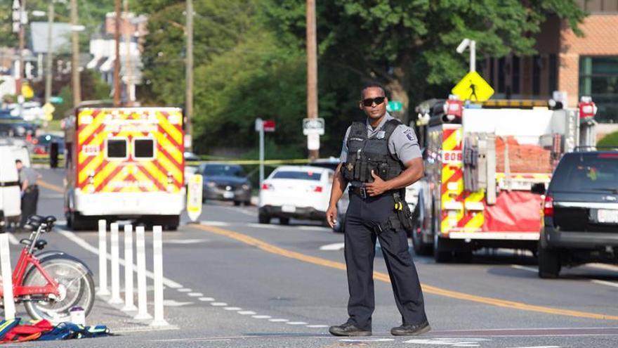 Al menos 27 muertos en un tiroteo en una iglesia baptista del estado de Texas